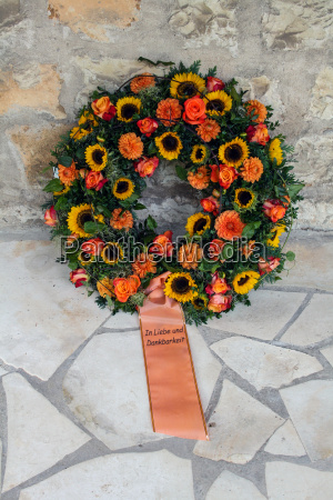 grief mourning wreath consolation loss deceased