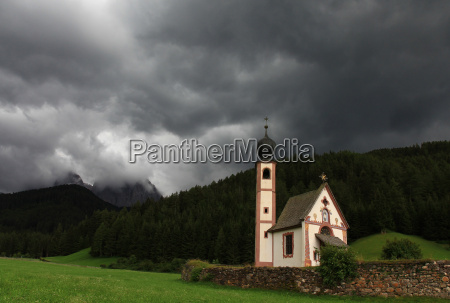 church dolomites chapel thunderstorm thundreous meadow