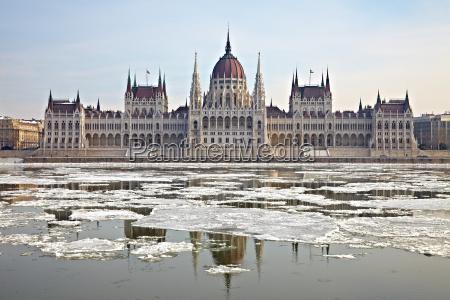 parliament - 10292159