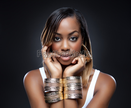 black, beauty, wearing, golden, accessories - 10317063