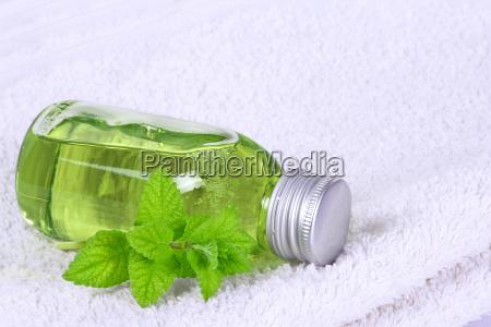 asciugamano omeopatia melissa bottiglia olio oli