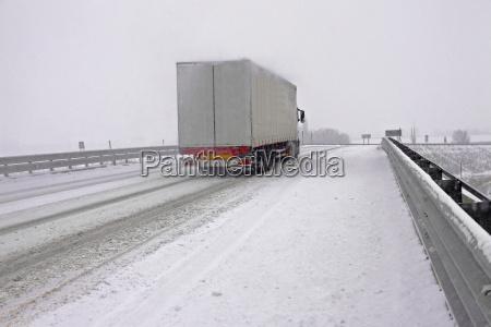 snowy, highway - 10332075