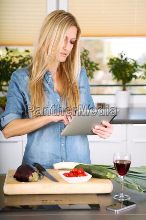 housewife - 10335509