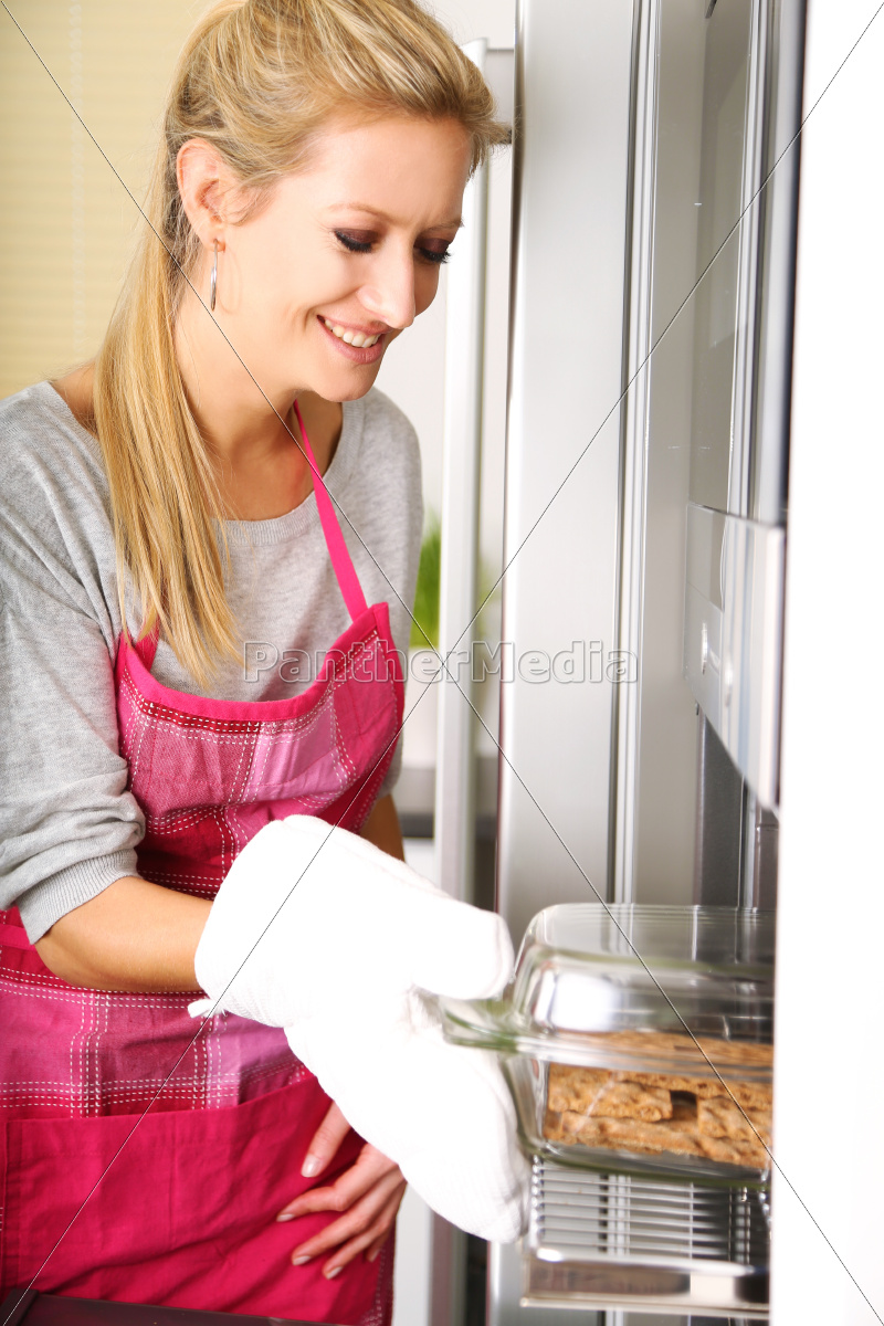 housewife - 10335525