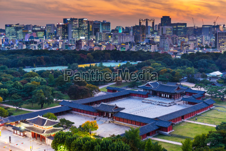 historical grand palace in seoul city