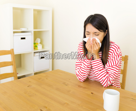 asian, woman, with, nose, allergy - 10466729