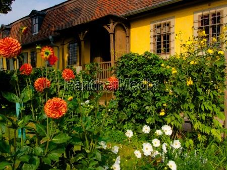 garden of the goethe house in