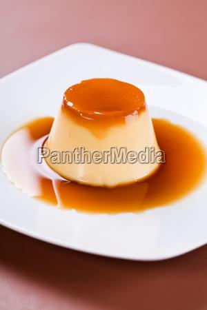 caramel, dessert - 10489099