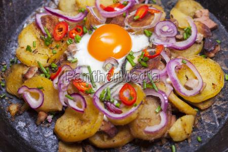 tiroler groestl in a pan