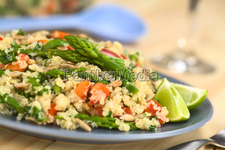 quinoa with asparagus and bell pepper