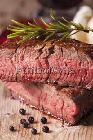 steak grilled with pepper