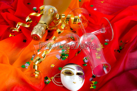sylwester glass and champagne