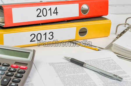 file folders labeled 2014 and 2013