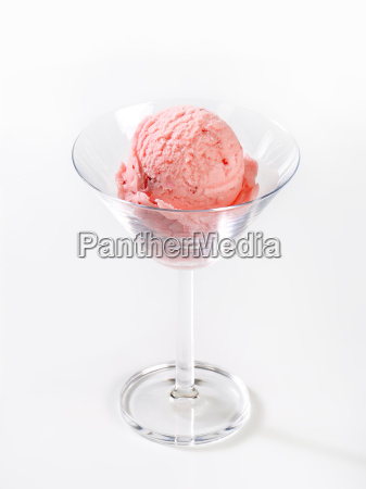 strawberry ice cream in stemmed