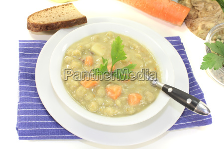 pea soup with celery