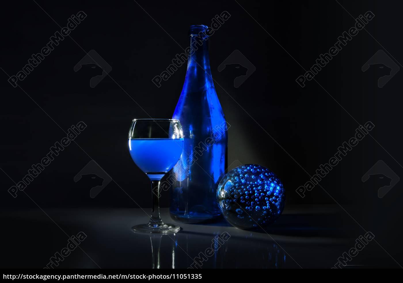 blue, hour - 11051335
