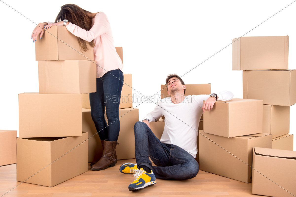 tired, couple, with, boxes - 11080804