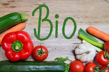 organic table vegetables offer