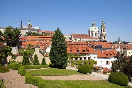 storico giardino barocco praga giorno durante