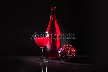 still, life, in, red - 11133626