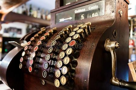 old time cash register i en