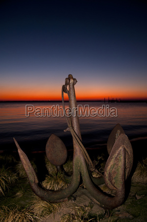 anchor on the shore