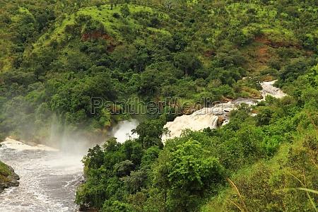 uhuru falls in murchison falls national