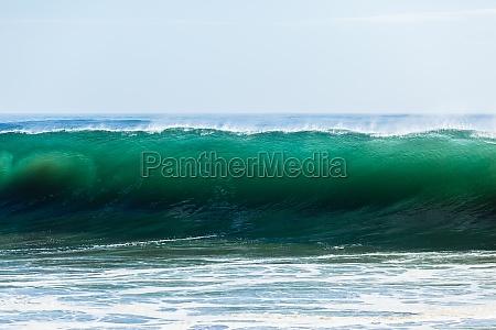 ocean wave wall water