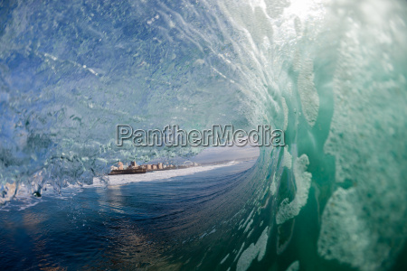 ocean wave wall water