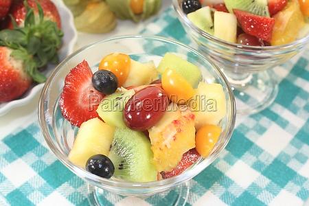 fruit, salad, in, a, bowl - 11300361