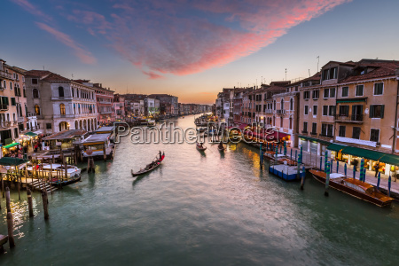 view on grand canal from rialto