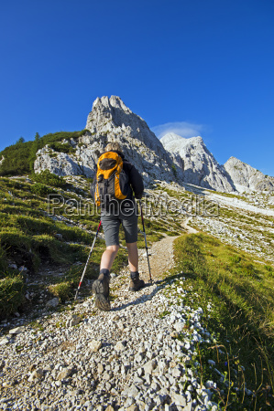 hiking - 11380471