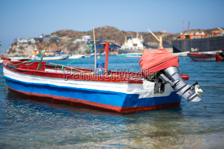 boat in the port of santa