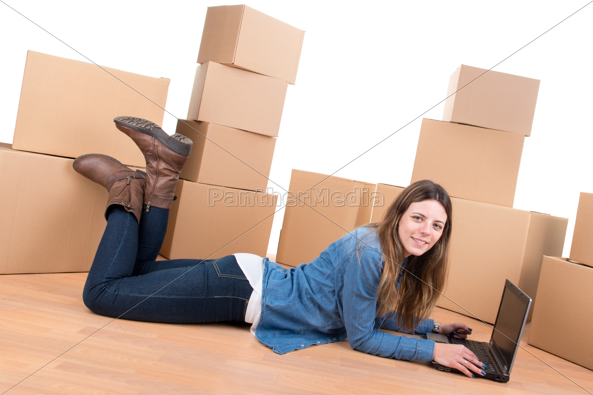 girl, with, boxes - 11494657