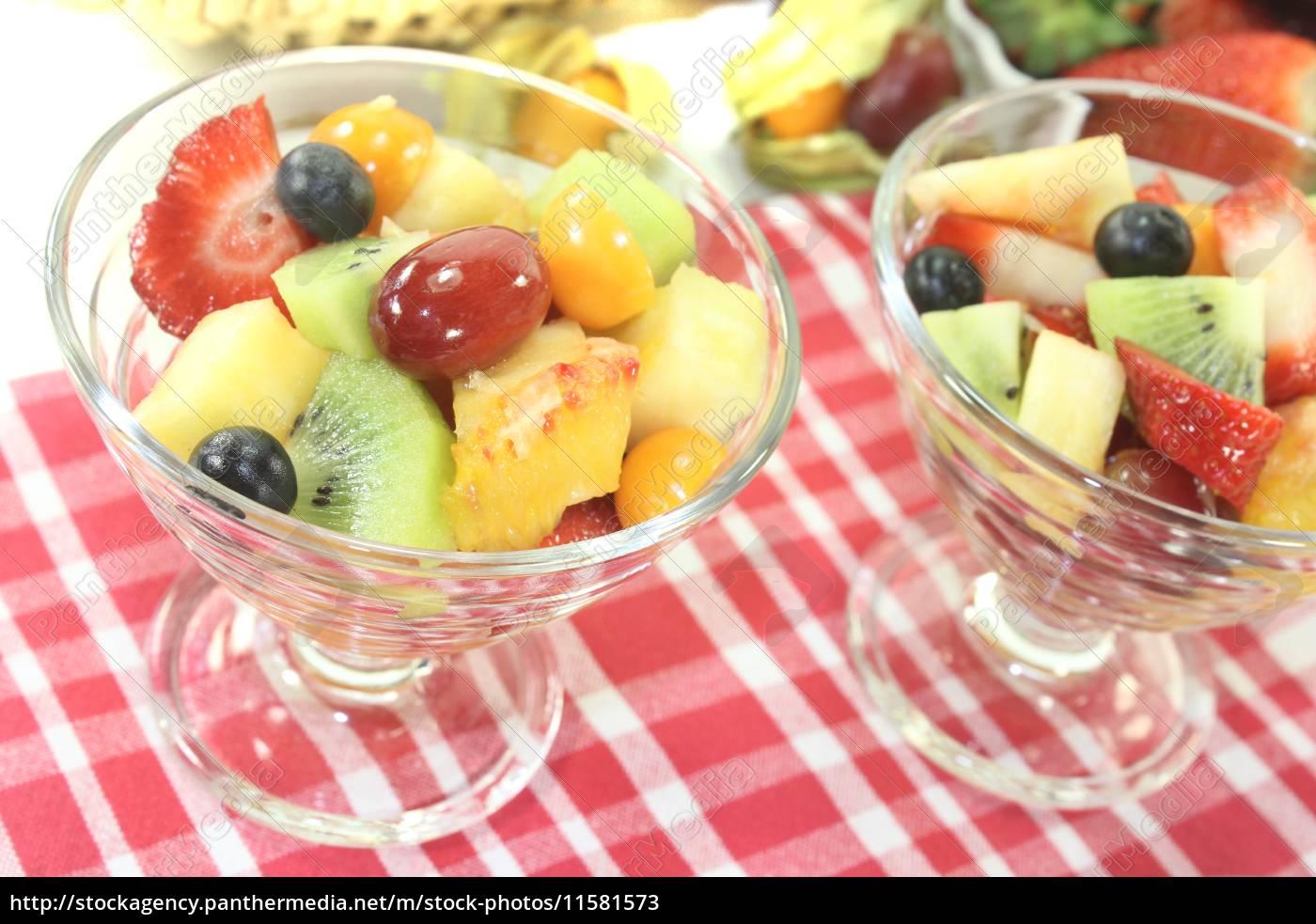 fruit, salad, on, a, checkered, napkin - 11581573