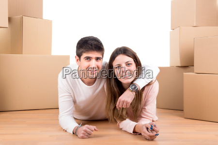 happy, couple, with, boxes - 11685590