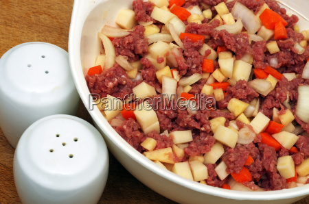 beef mince meat with vegetables