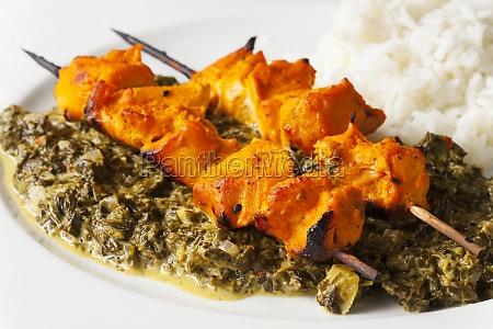 indisches huehnchen fleisch spiesse