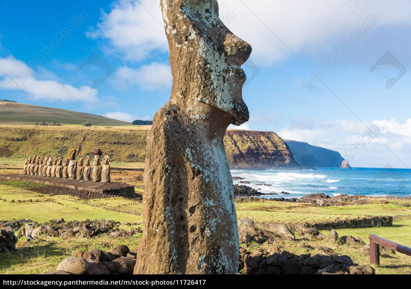 moai, at, ahu, tongariki - 11726417