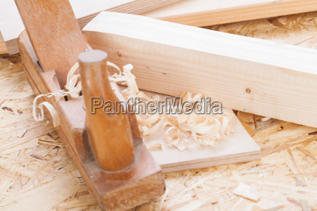 planer with wood shavings in a
