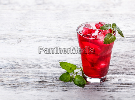 fresh cold strawberry tea