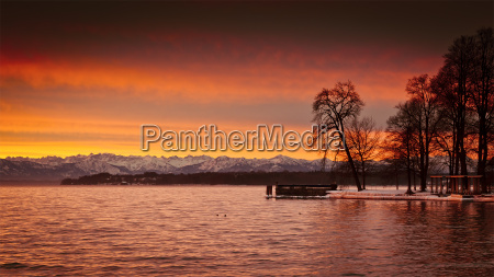 sunrise at starnberg lake