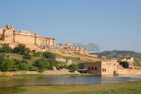 amber fort overlooking maota lake in