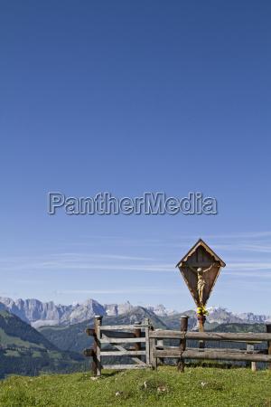 wooden cross in karwendel