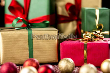 xmas gifts in red green and