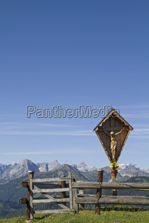 wooden cross in the karwendel