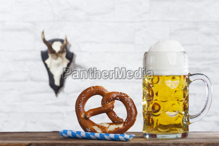 bayerische mass and a pretzel