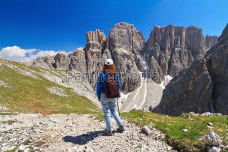 dolomiti hiker in sella mount