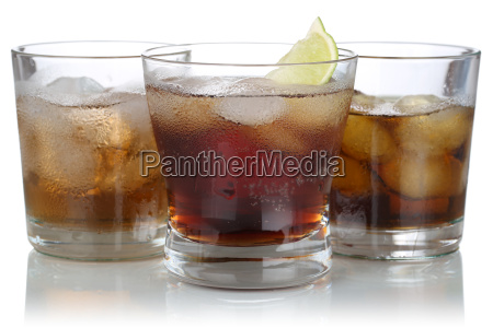 whiskey alcohol and cola with ice