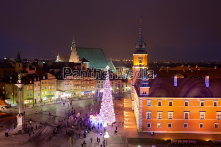 old town at night in warsaw